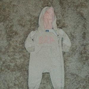 Gap 6-12m logo hooded bodysuit.